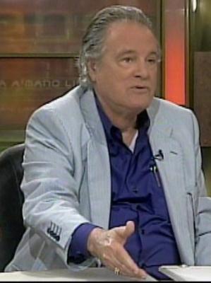 Aparece en público el controvertido ex-agente Rodriguez Menier
